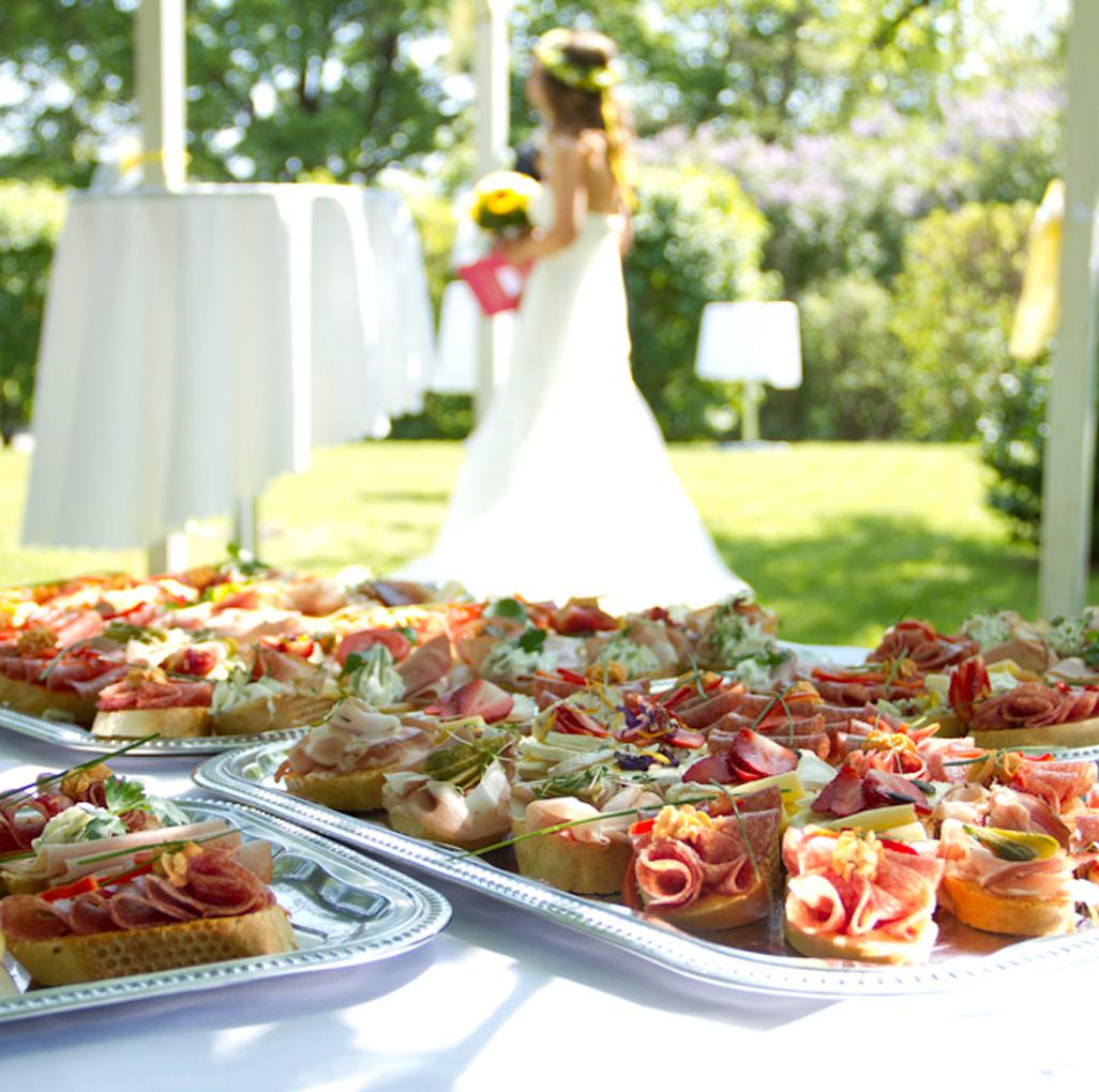 Brötchen bei einer Hochzeit