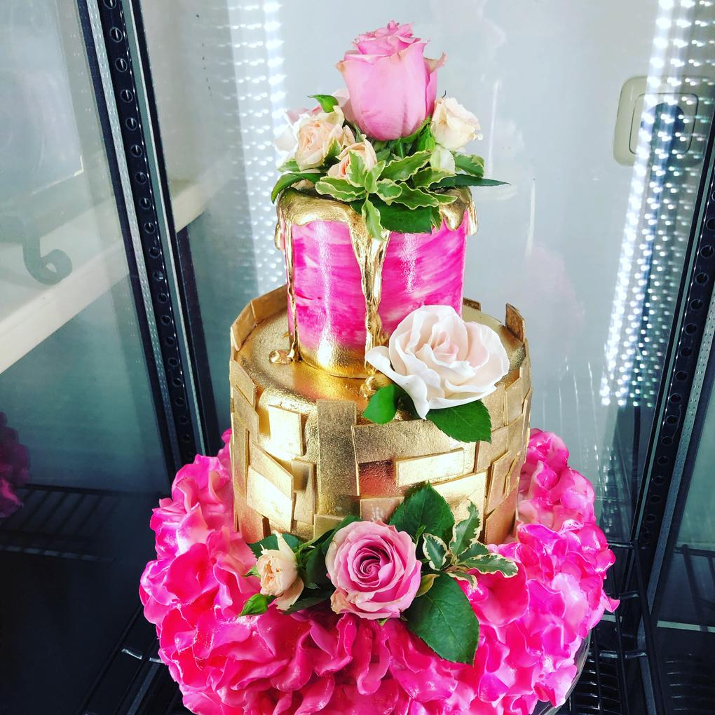 Torte in Pink und Gold