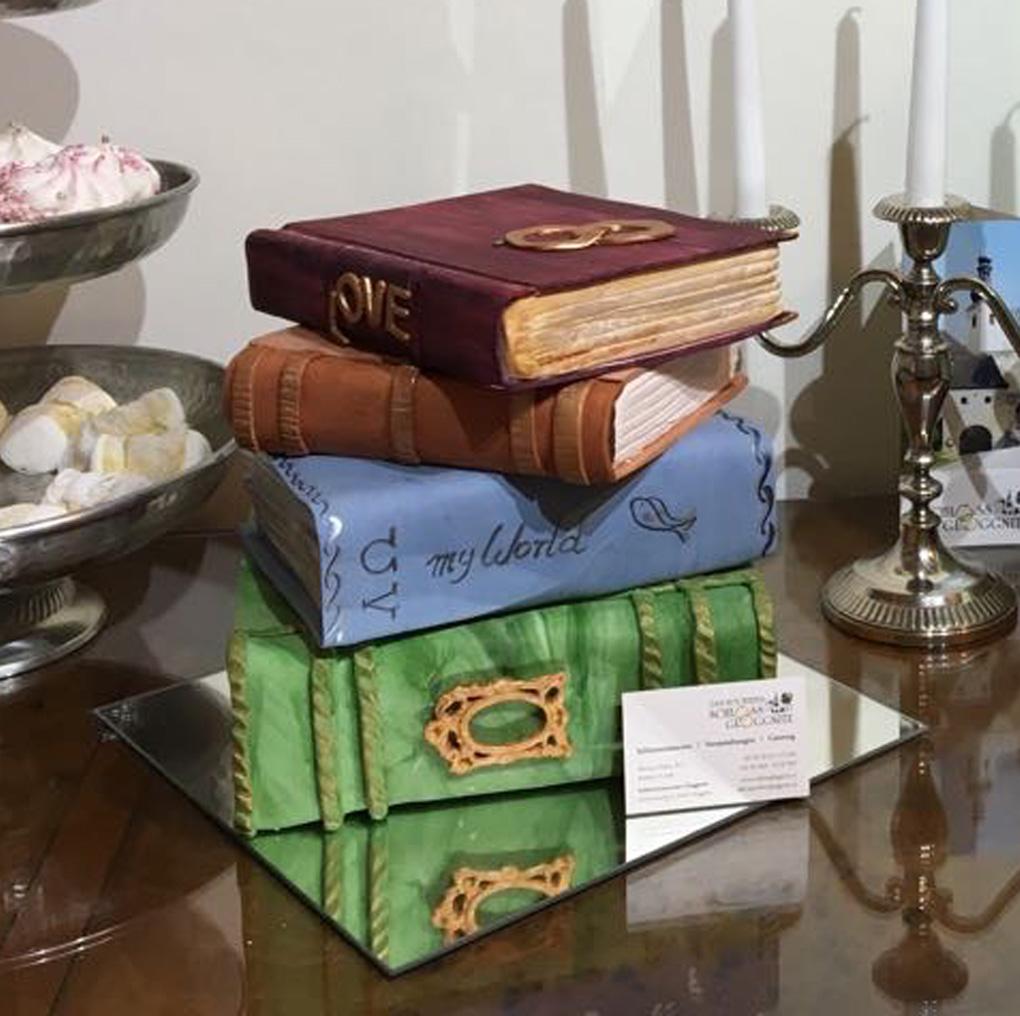 Torte in Bücherform
